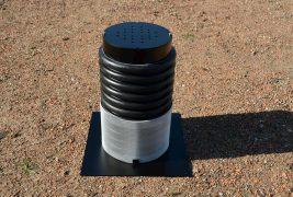 Skrzynka kontrolna z tworzywa i aluminium – do osłony nad odwodnieniem na zielonych dachach płaskich